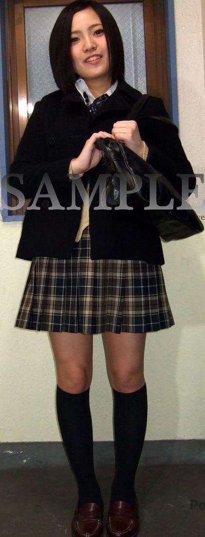 【えれな】ショートヘアの可愛い制服女子校生の情熱的な赤いパンティ ~PANTY-LOVE