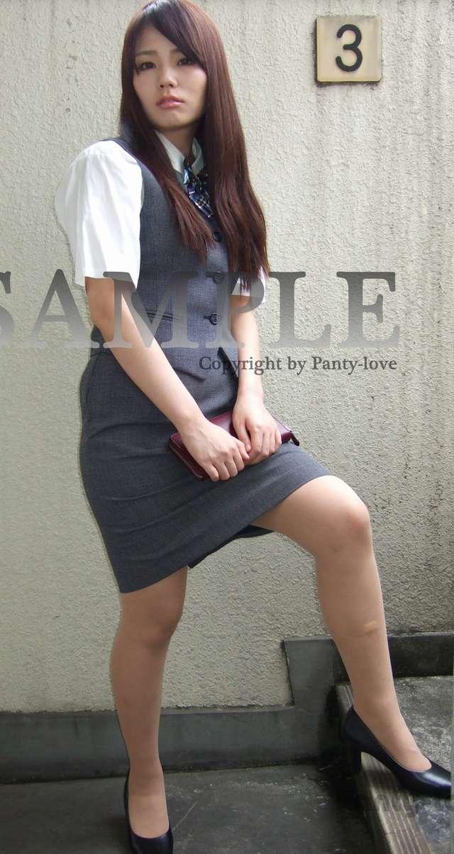 【ゆあ】クールビューティなグレー制服の美少女OLのパンチラ ~PANTY-LOVE~