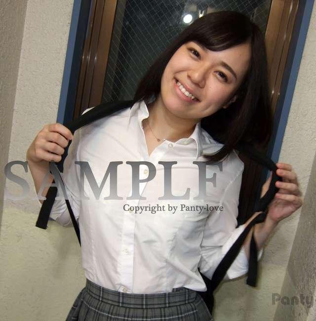 【ことね】可愛い笑顔のキュートな女子校生の制服パンチラ ~PANTY-LOVE~
