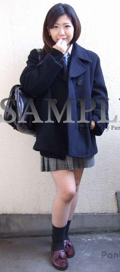 【るいな】ギャル女子校生の水色のパンチラ ~PANTY-LOVE~